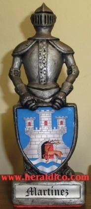 Caballero medieval personalizado con el escudo de su apellido